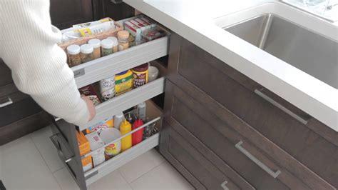 rangement pour armoire de cuisine armoires de rangement armoires de cuisine simard