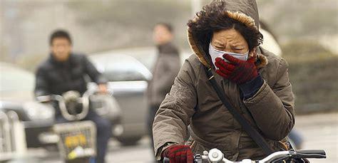 chinas emissions economic growth  tradeoff  longer