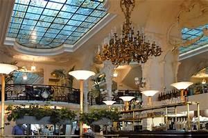 Le Grand Caf U00e9 Art Nouveau  U00e0 Moulins