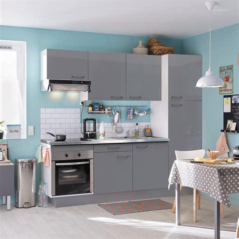 cuisine domicile pose d 39 une cuisine équipée complète leroy merlin