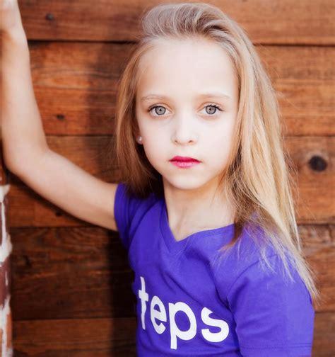 Model Lilliana Zaavip Photos Porno