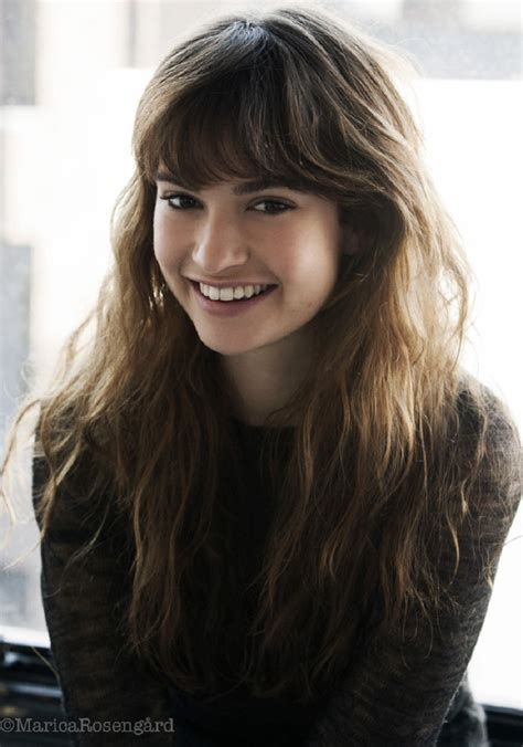 hottest woman  lily james downton abbey king