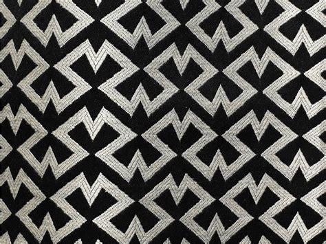 tissu d ameublement 192 motifs graphiques pour rideaux ziggy by dedar