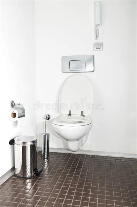 photo de toilette moderne toilette moderne image stock image 11829841