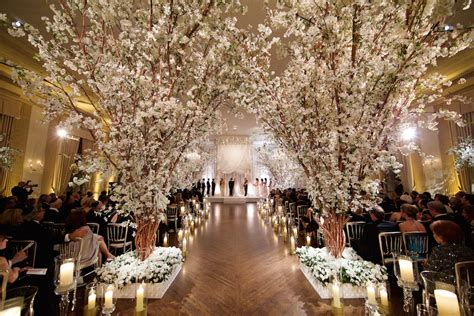 Rose Gold Wedding Ideas for Ceremony & Reception Décor