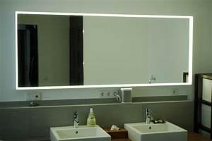 Großer Schminkspiegel Mit Beleuchtung : spiegelbeleuchtung im badezimmer 45 inspirierende beispiele ~ Bigdaddyawards.com Haus und Dekorationen