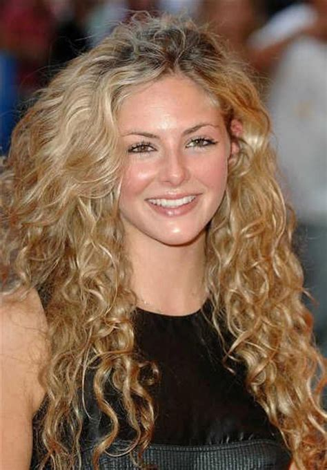 how to style wavy hair naturally curly hairstyle routine hairstyles 1189