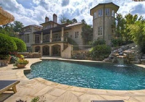 Mansion Houses with Pools for Sale