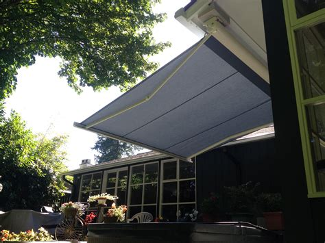 north vancouver awning