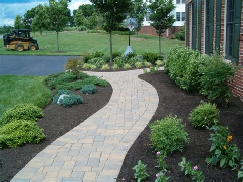 landscaping walkway to front door garden interesting front sidewalk landscaping ideas front walkway landscaping ideas pictures