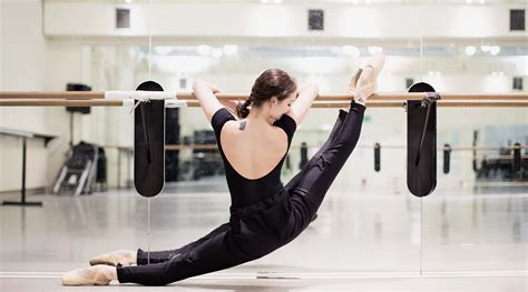 best ballet barre workout the ultimate guide to ballet barre workouts zarely