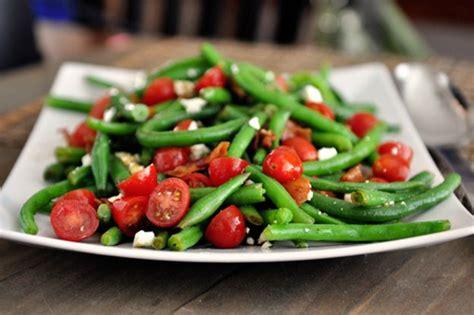 une recette facile de salade de feves vertes  tomates