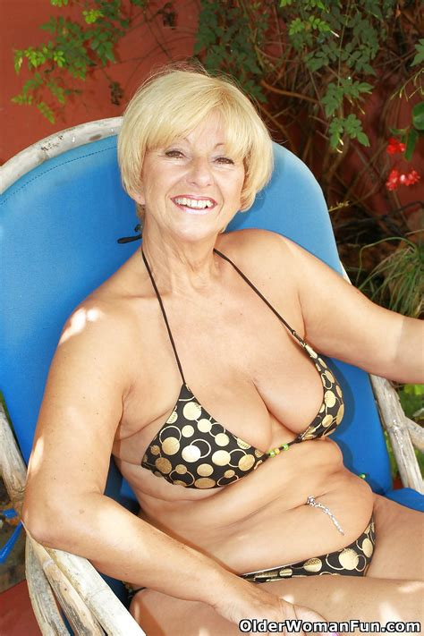 Pictures Of Spicy Mature Pussies 66 Year Old And British Granny Samantha From Olderwomanfun