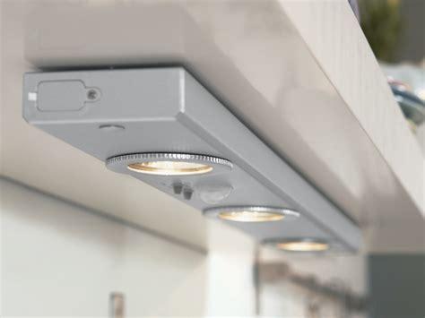 eclairage sous meuble haut cuisine eclairage meuble cuisine images