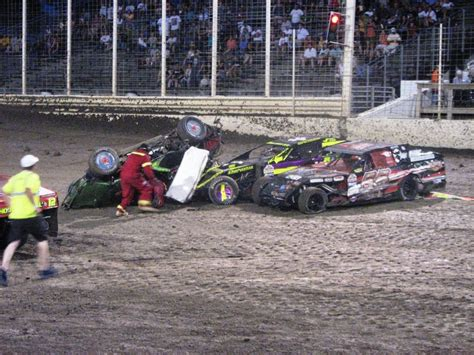 Race Car Wreck by Modifed Race Car Wreck At River Cities Speedway River