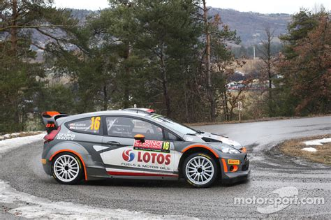 Robert Kubica Rallye Ford Wrc 2015 Viral robert kubica and maciek szczepaniak ford wrc at