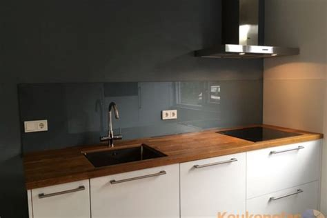 keuken achterwanden gekleurd glas keukenglas