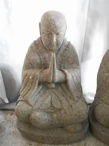 Statue Bouddha Maison Du Monde : d co jardin statue moine shaolin en pierre de lave 60 cm ~ Teatrodelosmanantiales.com Idées de Décoration