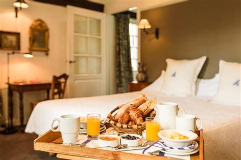 chambre et petit dejeuner petit déjeuner hôtel restaurant arraya sare pays