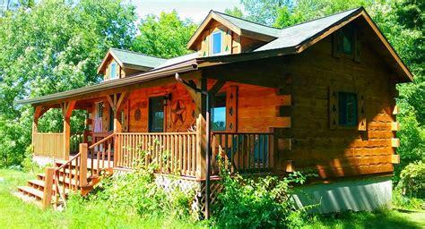 cabin rentals in iowa chestnut hill 2 bedroom log cabin iowa cabin rentals