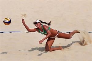Maria Clara Salgado Rufino Photos Photos - 2011 FIVB Beach ...