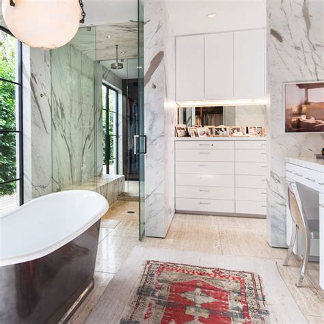15 Celebrity Bathrooms That Are Nicer Than Our Apartments