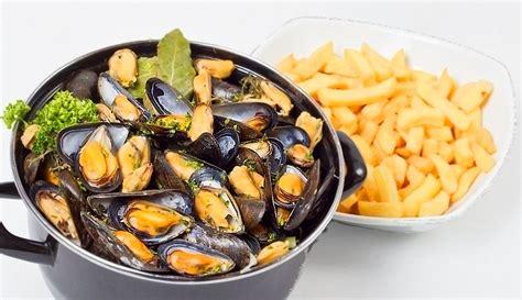 moules cuisine soirée belge avec moule frite à volonté le montecito