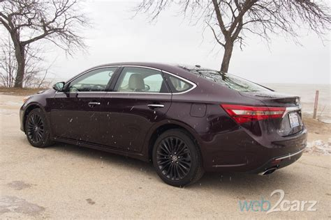 2016 Toyota Avalon Hybrid Limited Review