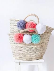 Panier Thailandais Pompon : pom pom bag beach bag nursery decor pom pom basket bridesmaids gift market straw tote toy ~ Teatrodelosmanantiales.com Idées de Décoration