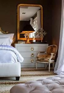 le miroir dore en 40 photos archzinefr With miroir dans la chambre