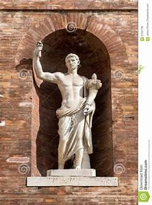 Ancient Roman Statue In Brick Wall Alcove Stock Photo ...