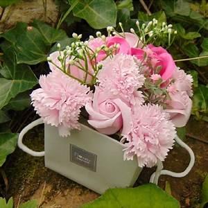 Bouquet De Fleurs : bouquet de fleurs de savon rose ~ Teatrodelosmanantiales.com Idées de Décoration