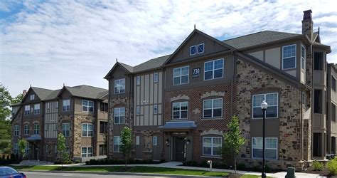 One Bedroom Apartments Bloomington In by City Flats On Walnut Apartments Bloomington Inj C Hart