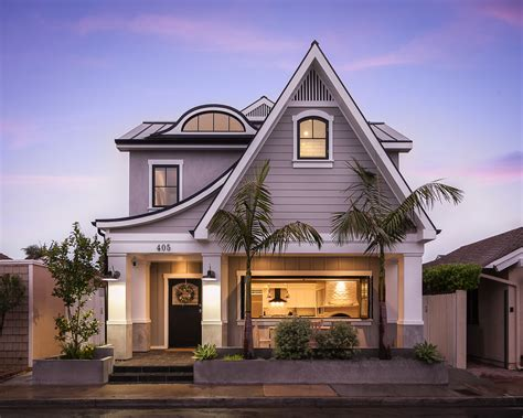 Traditional craftsman house plans and known for their simplicity and natural elements. Striking Custom Contemporary Home in Newport Beach ...