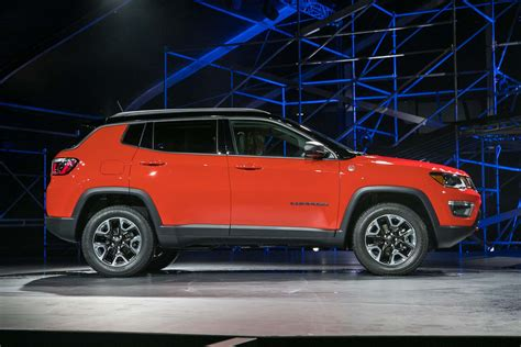 jeep compass side 6 different ways you can configure the 2017 jeep compass