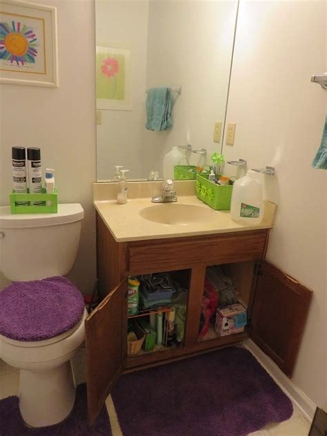 Decluttering The Bathroom  Week 8 Of 52 — Thoughts, Tips