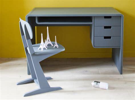 bureau en plastique le plastique pour bureau enfant lemag info
