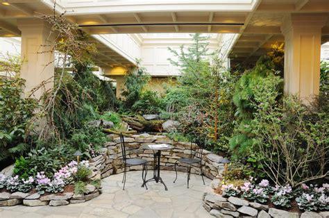 Mit Innengarten by Innengarten Stockbild Bild Garten Inside Kanada