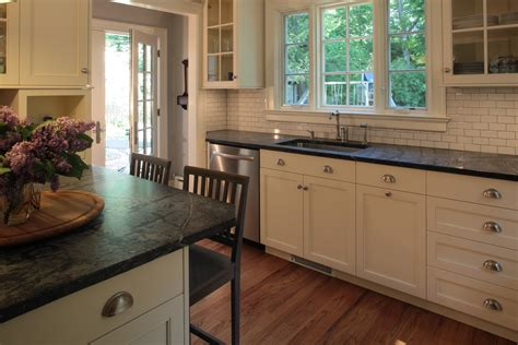 kitchens with hardwood floors kitchen chairs chairs kitchen 6626