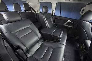 Toyota Land Cruiser 200    V8 Specs  U0026 Photos
