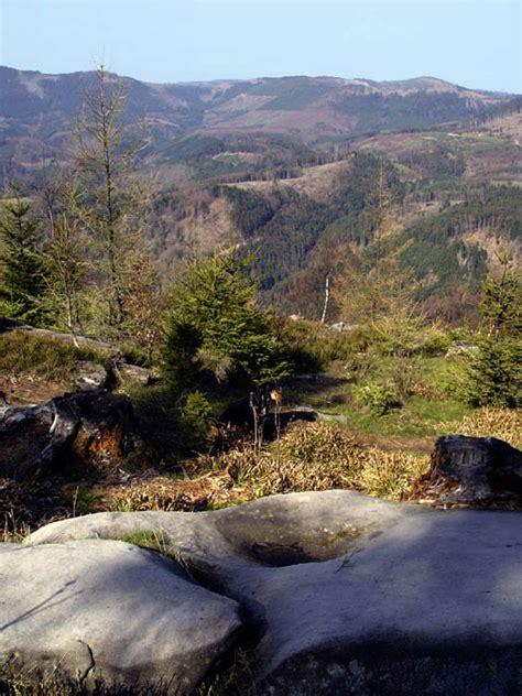 Garten Der Ungeheuer by Fr Vogesen Vom Garten Der Feen Zum Berg Der G 246 Tter Fotos
