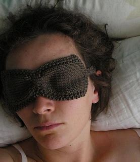 ravelry ruched sleep eye mask pattern  sarah core