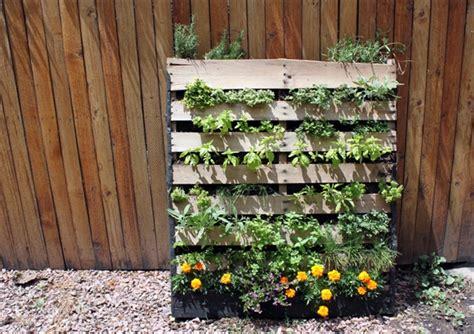 pallet vertical garden pallet vertical garden 16 do it yourself ideas wooden