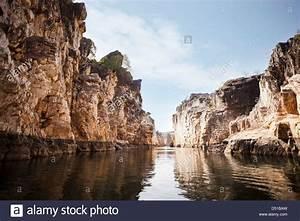 Marble rocks alongside Narmada River, Bhedaghat, Jabalpur ...