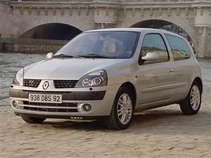 Voiture Occasion Clio : march de l 39 occasion la voiture type est une renault clio diesel ~ Gottalentnigeria.com Avis de Voitures