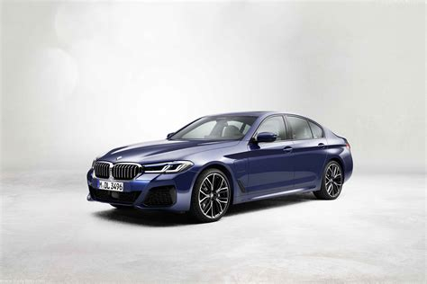 Start here to discover how much people are paying, what's for sale, trims, specs, and a lot more! 2021 BMW 5-Series - Dailyrevs