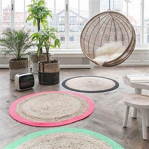 Tapis Rond Osier : le petit tapis rond belle solution pour les petits espaces tapis rond espaces ~ Teatrodelosmanantiales.com Idées de Décoration