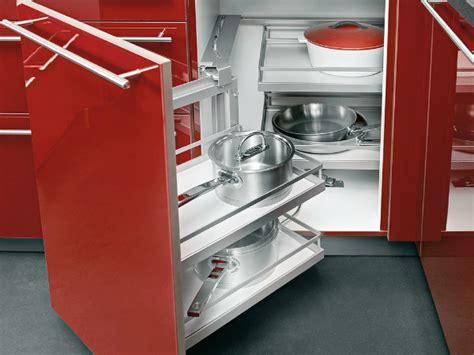 tiroir angle cuisine cuisine les placards et tiroirs