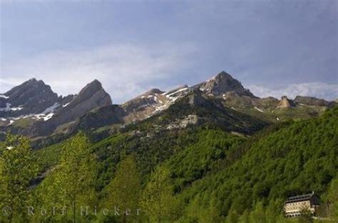 rangers pyrenees mountain ranges