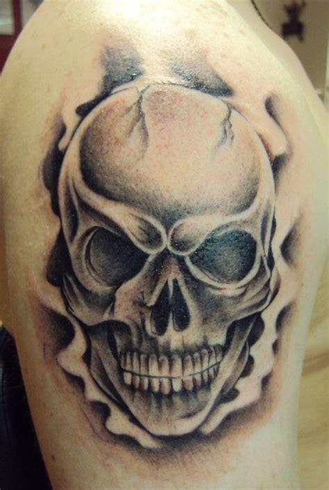 tatouage tete de mort original  idees memento mori